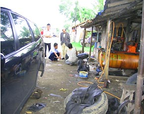かつら工場訪問記 インドネシアでパンク