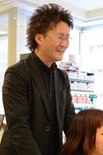 東京渋谷カツラ販売店スタッフ