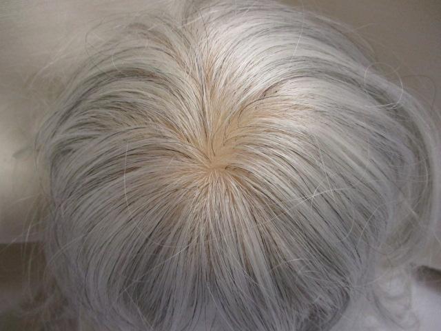 ミックス毛のウィッグ