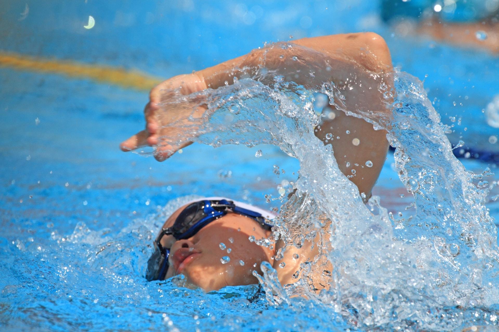 カツラのままで水泳をしても良いの?