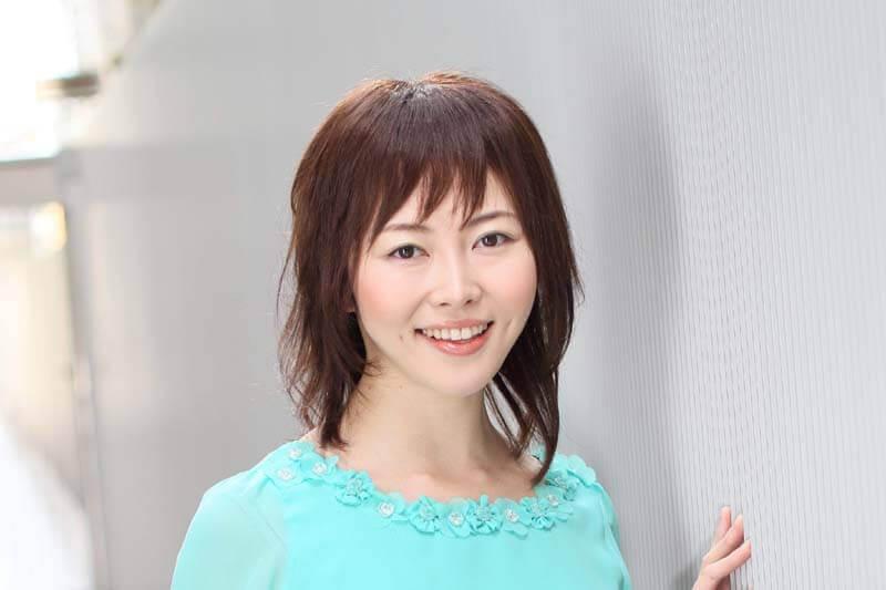 医療用ウィッグ髪型例:ミディアムレイヤースタイル